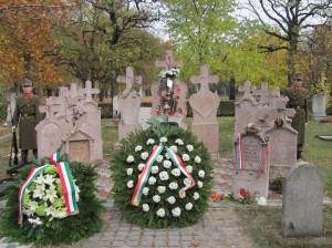 56-os hősök és áldozatok emlékműve